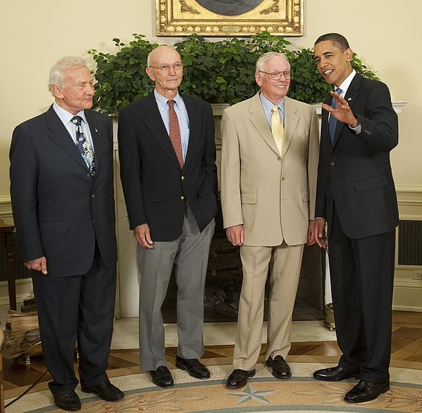 Apollo_11_Crew_Meets_With_President_Obama_DVIDS858420