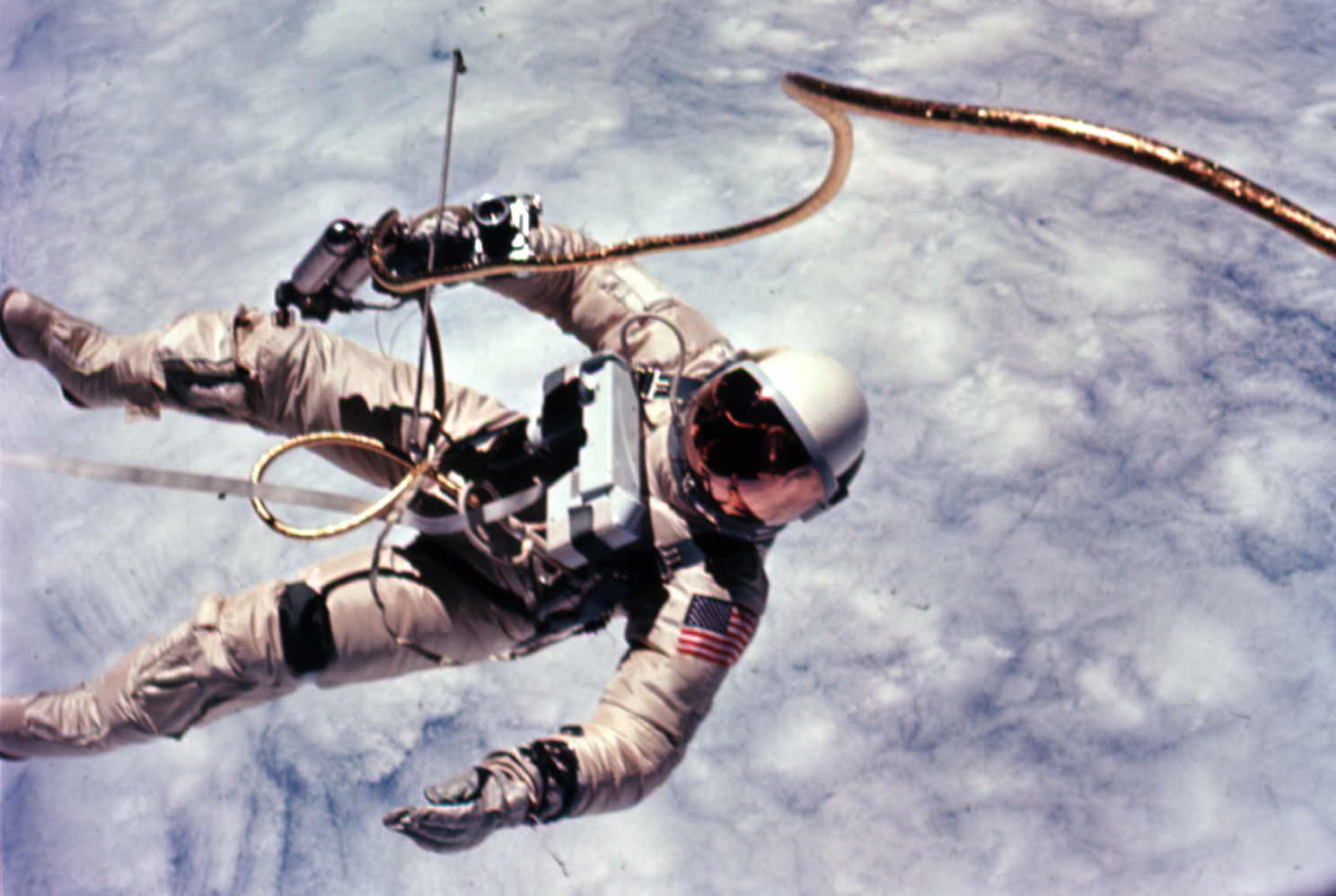 Astronaut_Edward_White_first_American_spacewalk_Gemini_4