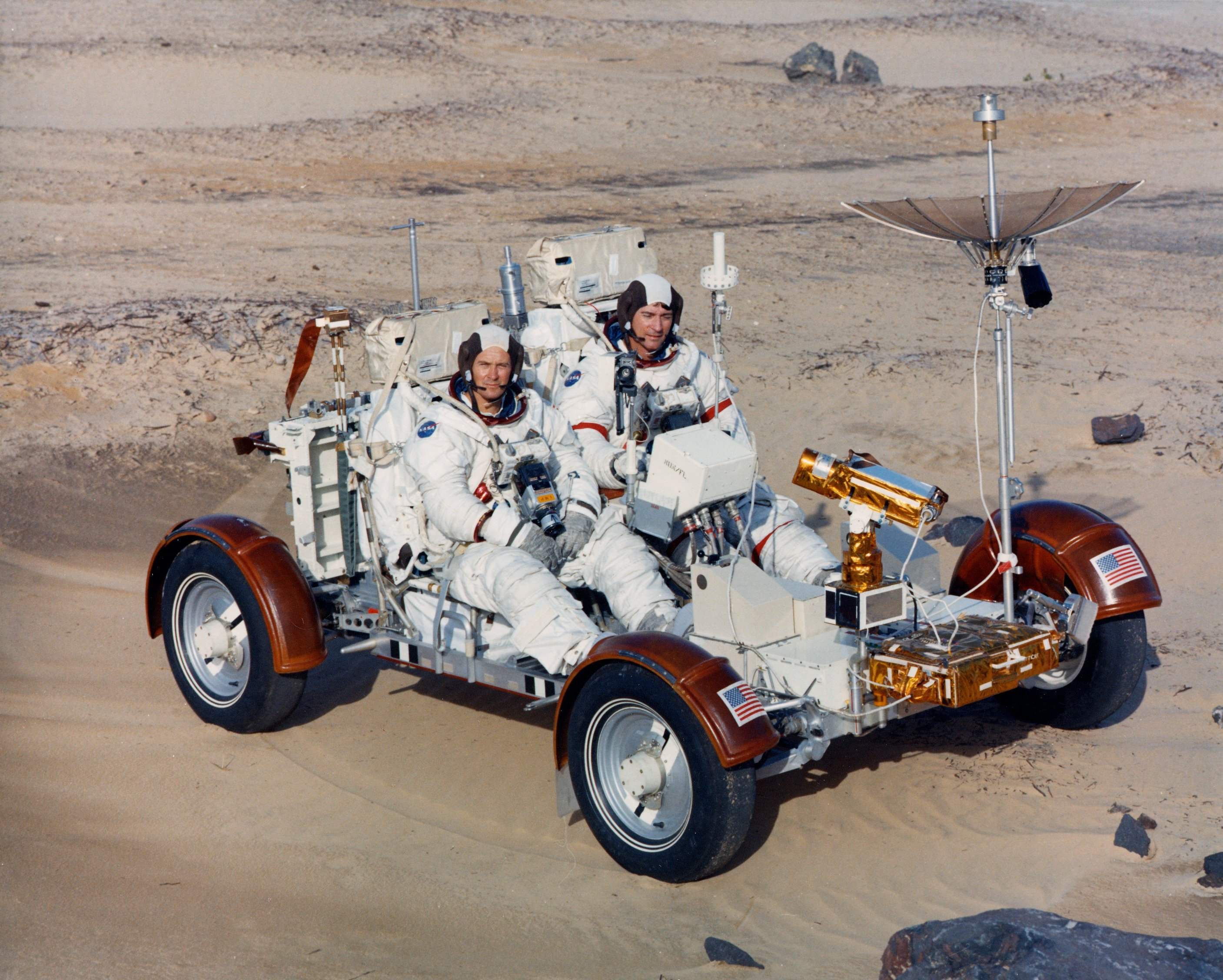 Moon_Buggy_Ap16-KSC-71PC-777