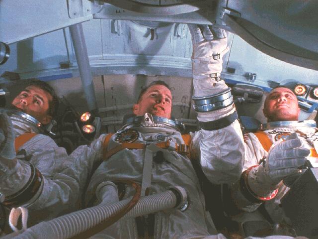 Apollo1_Crew_im_Simulator
