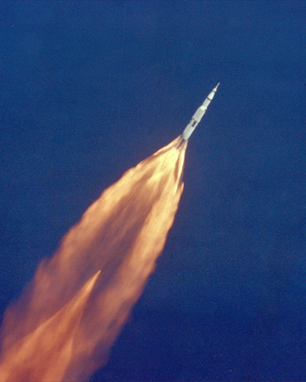 Apollo_11_Launch_-_GPN-2000-000628
