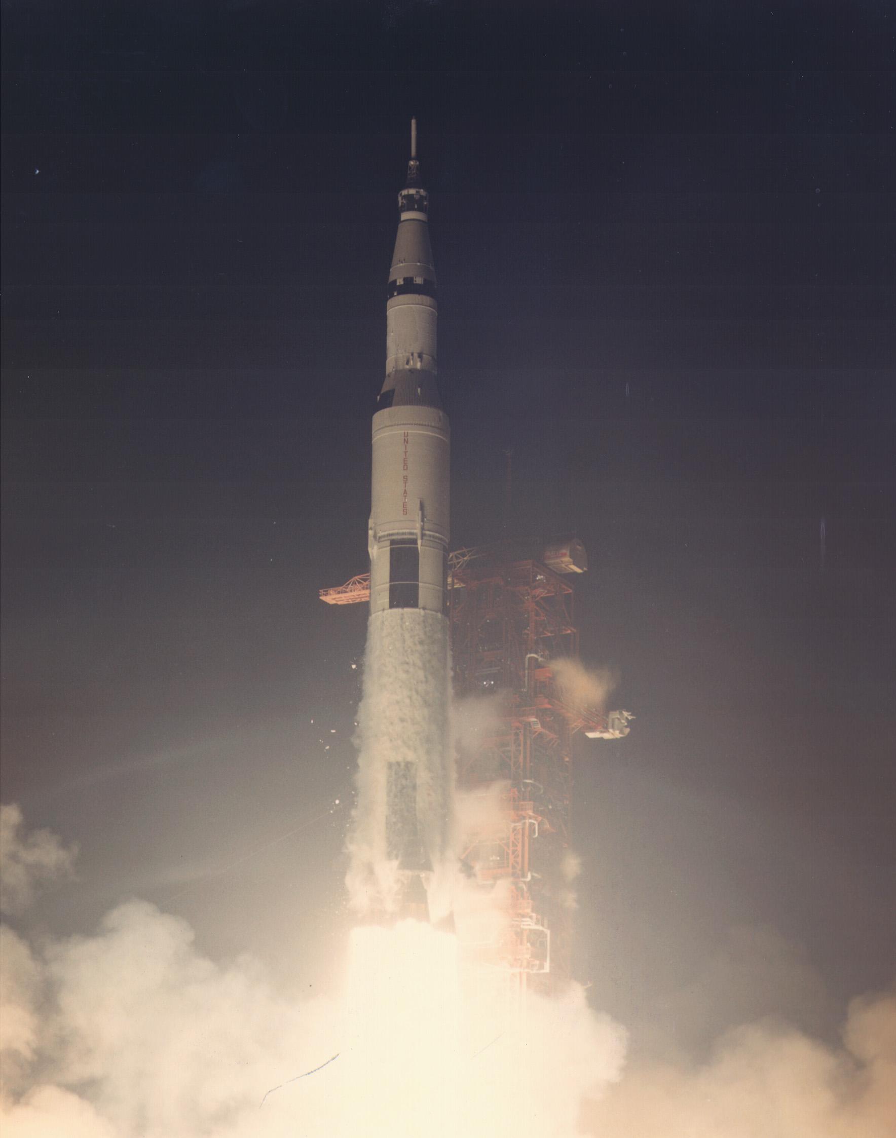 Apollo_17_launch