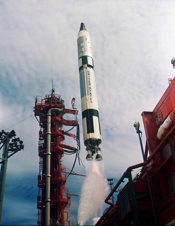 Gemini-Titan_11_Launch_-_GPN-2000-001020